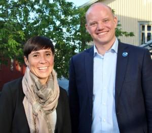 Forsvarsminister Ine Eriksen Søreide var 11. august i år på en rundtur i Vestfold. Her sammen med Jens Christian Mikkelsen, leder i forsvarspolitisk utvalg i Vestfold Høyre, som var vertskap for statsrådens besøk. Foto: PRIVAT