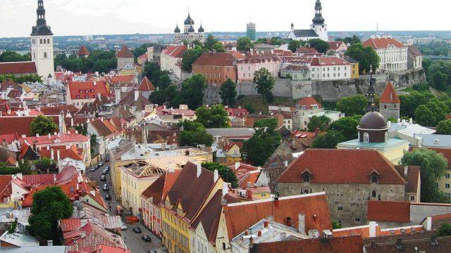 https://www.aldrimer.no/wp-content/uploads/2016/04/Tallinn-old-town_Bala-Amavasai-640x360.jpg
