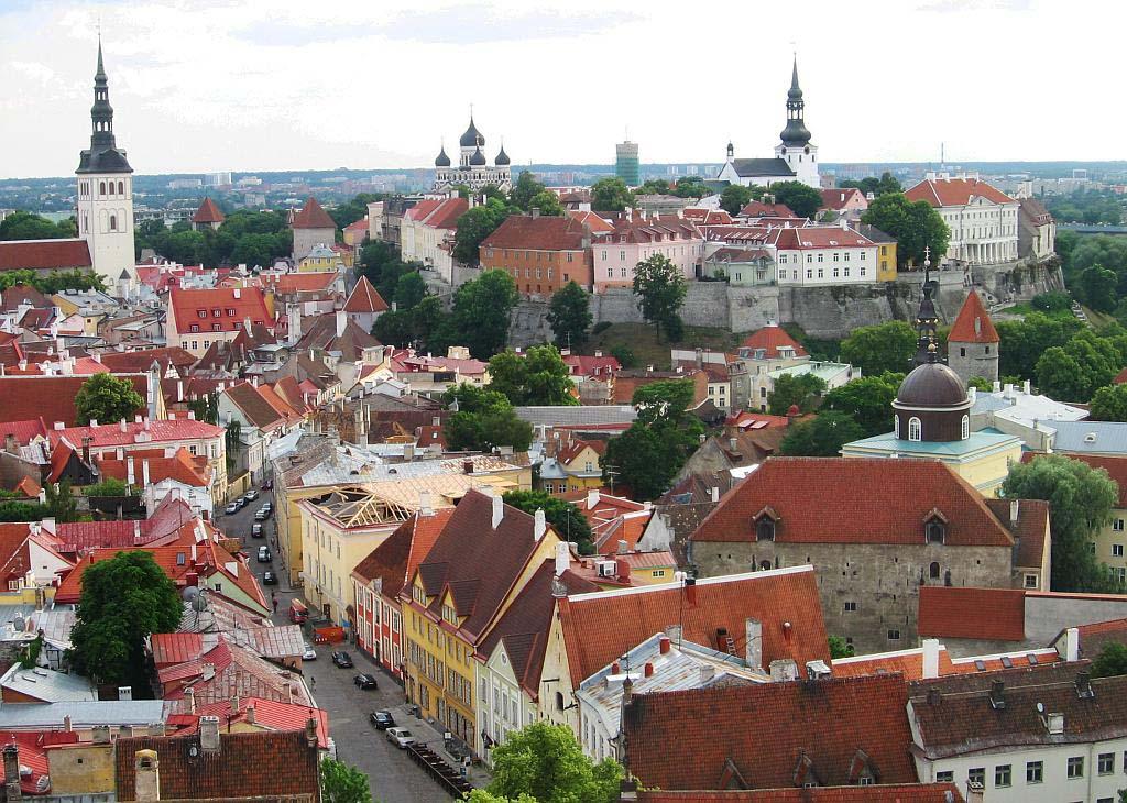 TALLINN: Estland har en betydelig andel russiske innbyggere uten statsborgerskap. Mange av dem bor i hovedstaden Tallinn. Foto: BALA AMAVASAI/WIKIPEDIA COMMONS