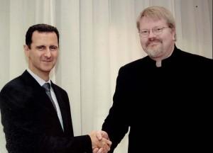 MØTTE ASSAD: Johan Bäckman sammen med Syrias president Bashar al-Assad. Foto: PRIVAT