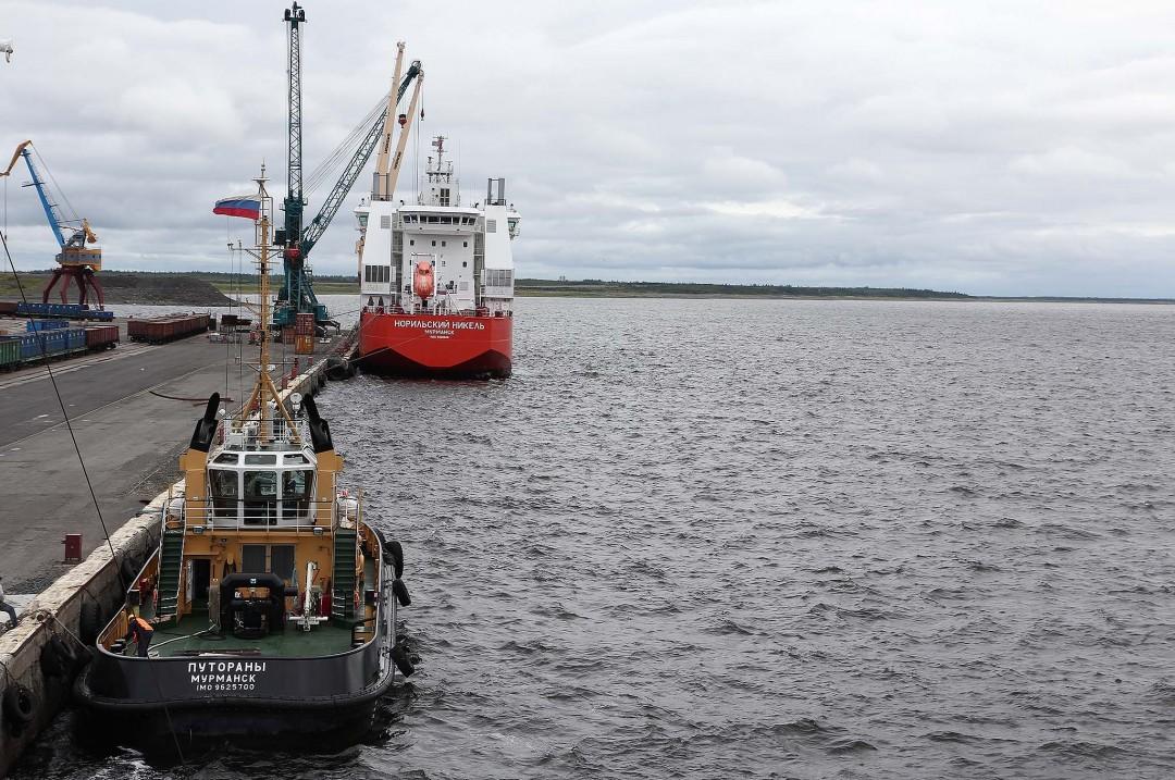DUDINKA, SIBIR: Den nordlige sjøruten kan få mer aktivitet i årene framover. Sikring av økonomiske ressurser og fraktruter er en viktig del av Russlands militærstrategi i Arktis. Foto: RUNE S. ALEXANDERSEN
