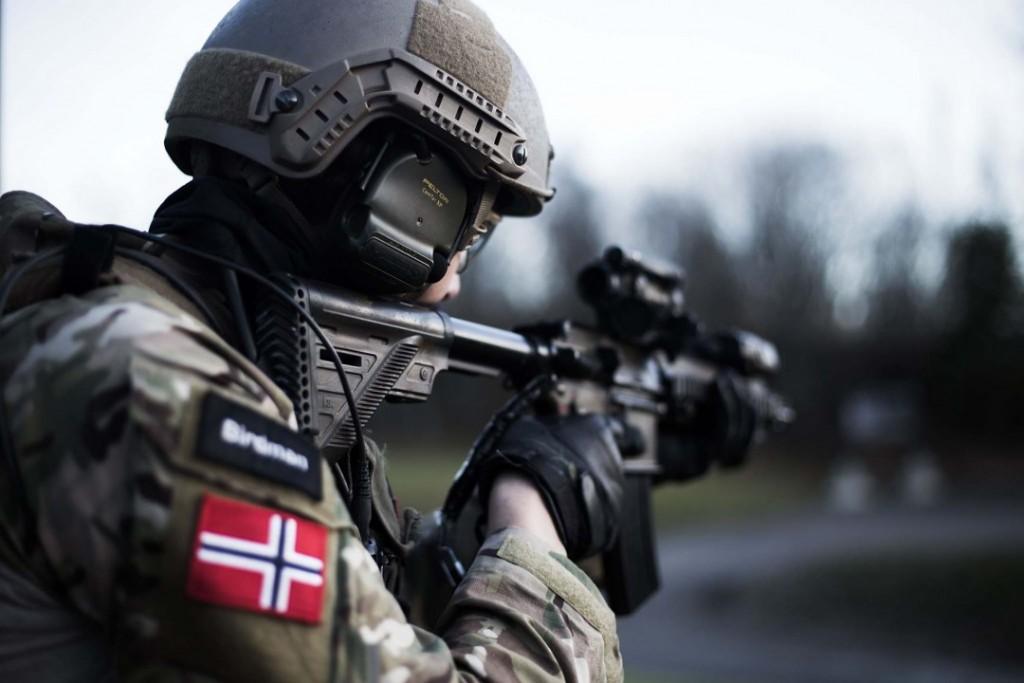 VIKTIG KOMPETANSE: Kystjegerkompaniet innehar viktige egenskaper og stridskompetanse mener pensjonert viseadmiral Einar Skorgen. Foto: STINA NYMARK BREKKE/FORSVARET