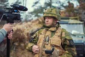 SLAKTER HELLIG KU: Ingar Seland kutter øvingsdager for Heimevernssoldater på Vestlandet på grunn av pengemangel. FOTO: Jostein Hestdal/Forsvaret
