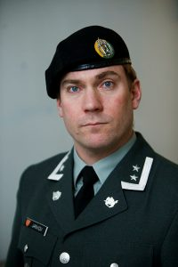 PRESSESJEF: Aleksander Jankov i Hæren bekrefter det lave antallet øvingsdøgn i Hæren i 2015. - Helt på grensen, sier Jankov. Foto: TORGEIR HAUGAARD/FORSVARET