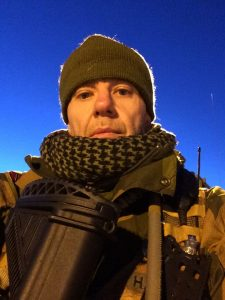 Advokat Sjak R. Haaheim i Drammen, tidligere VG-journalist og politijurist i Oslo, tar harde ord i bruk for å beskrive tilstanden i Forsvaret. Foto: PRIVAT