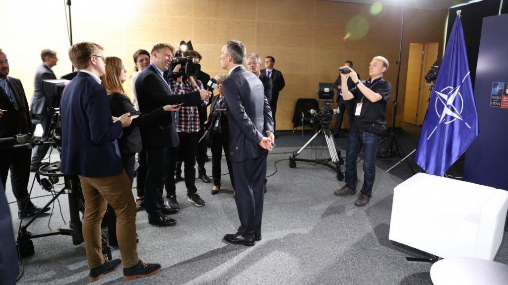 NATOs generalsekretær møter norske medier på NATO-toppmøtet i Polen lørdag 9. juli 2016. Foto: KJETIL STORMARK/ALDRIMER.NO