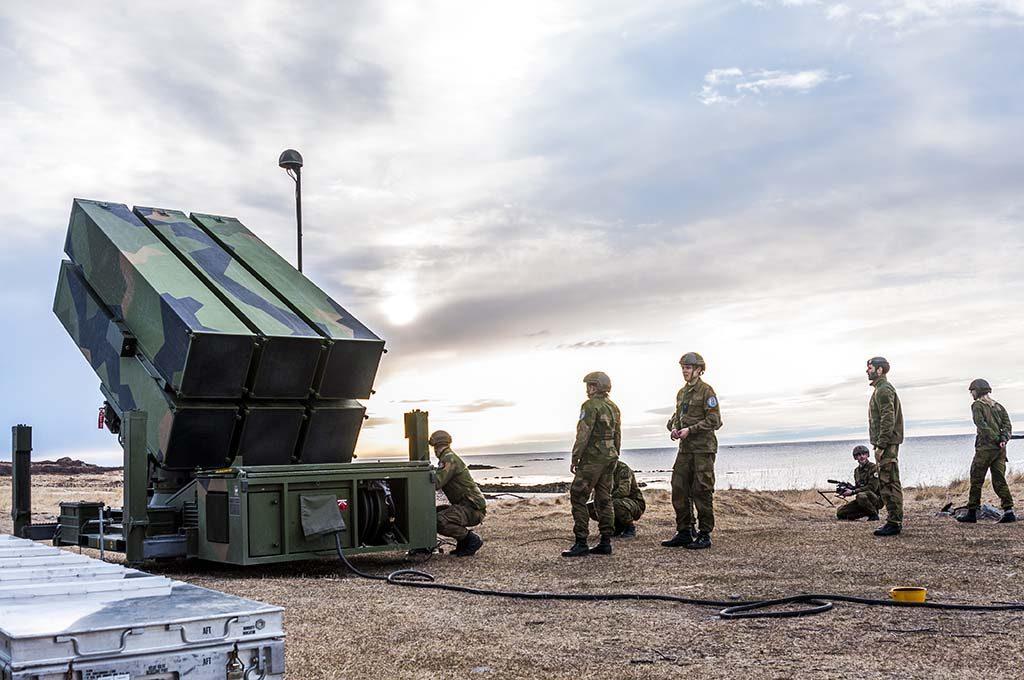 REISTE ØRLANDET–ANDØYA: Luftvernbataljonen brukte 48 timer på å reise 1 000 km mellom Ørland hovedflystasjon og Nordmela skytefelt på Andøya under øvelse Sølvpil i mai 2016. Foto: JONAS CHRISTIE/FORSVARETS MEDIESENTER