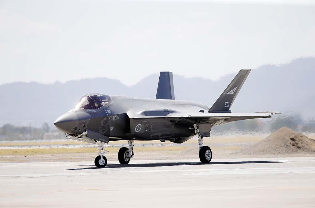 F-35: Et av de norske F-35 jagerflyene på Luke Airforce base i USA. Foto: TORBJØRN KJOSVOLD/FORSVARETS MEDIESENTER