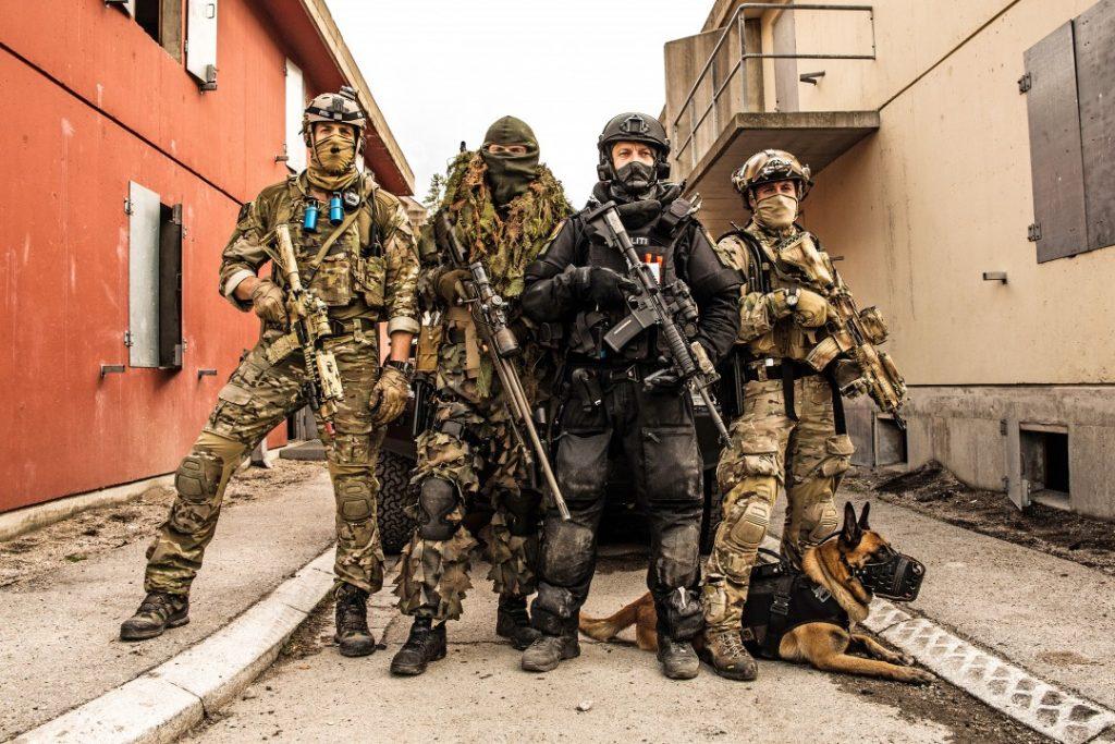GEMINI: Forsvarets spesialkommando, Marinejegerkommandoen og Beredskapstroppen avbildet under treningsopphold i Rena leir, som en oppkjøring til øvelse Gemini 2014. Foto: DIDRIK LINNERUD/FORSVARET