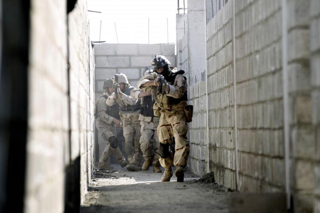 TF-51 fra FSK/HJK fungerer som mentorer på Afghanske sikkerhetsstyrker fra TF-24 i Crisis Response Unit (CRU) i Kabul, Afghanistan. Foto: TORBJØRN KJOSVOLD/FORSVARET
