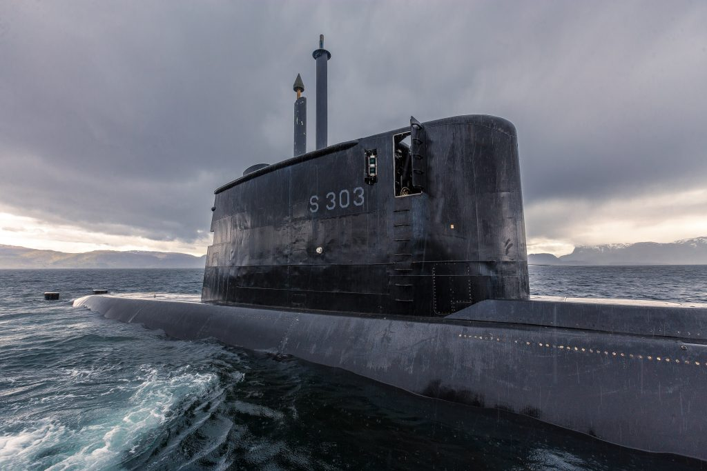 """IKKE EN SLIK: Dette er et bilde av en norsk ubåt i Ula-klassen, KNM """"Utvær"""". Men det kan ha vært noe annet som ble sett i Andfjorden 13. oktober, og utenfor Brønnøysund 22. oktober. I begge tilfeller mener observatørene at det de så, ikke lignet denne norske ubåten. Foto: PETTER BRENNI GULBRANDSEN/FORSVARET"""