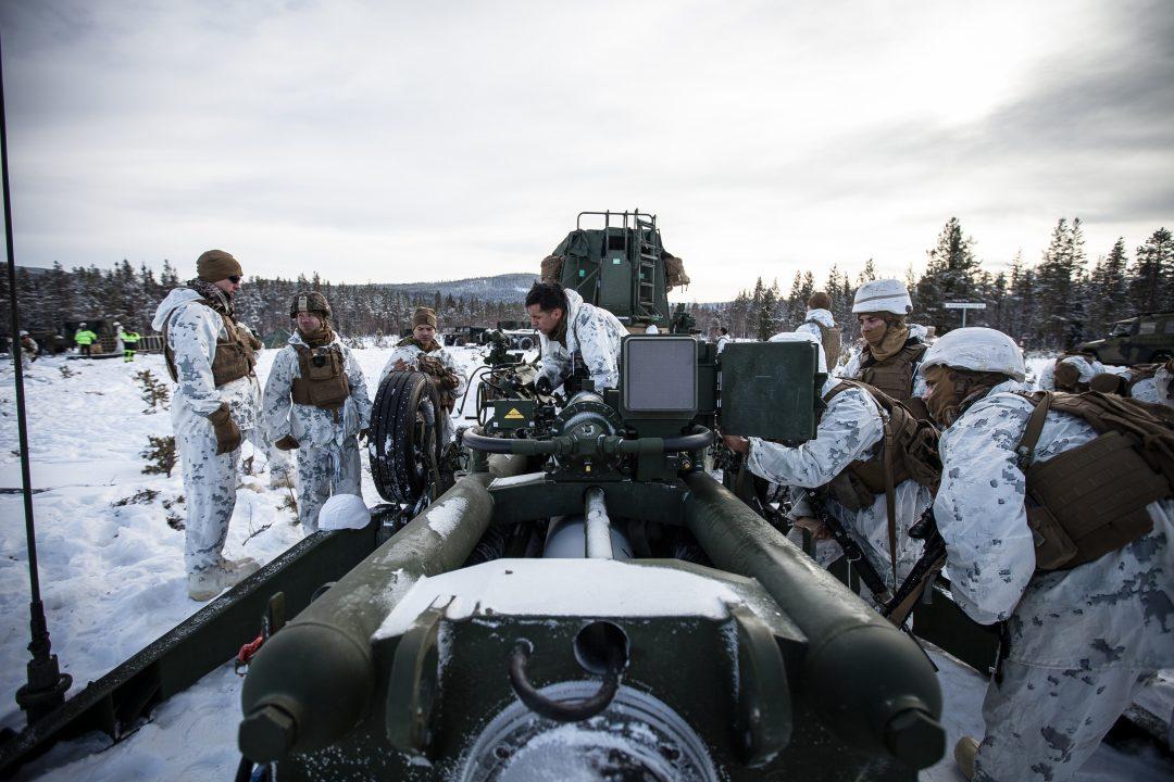 RASKERE RESPONSTID: Flere hundre tusen NATO-soldater skal nå få en langt raskere responstid. Her U.S. Marine Corps på Rena i forkant av Cold Response-øvelsen. Foto: PHILIPS KARLSEN MCGOWAN/FORSVARET