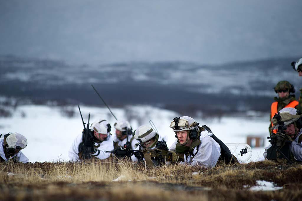 MISTER UTDANNINGSTILBUD? Soldater og grenaderer fra Panserbataljonens stormeskadron 4 under øvelse på Porsangermoen. Foto: FREDERIK RINGNES/FORSVARETS MEDIESENTER