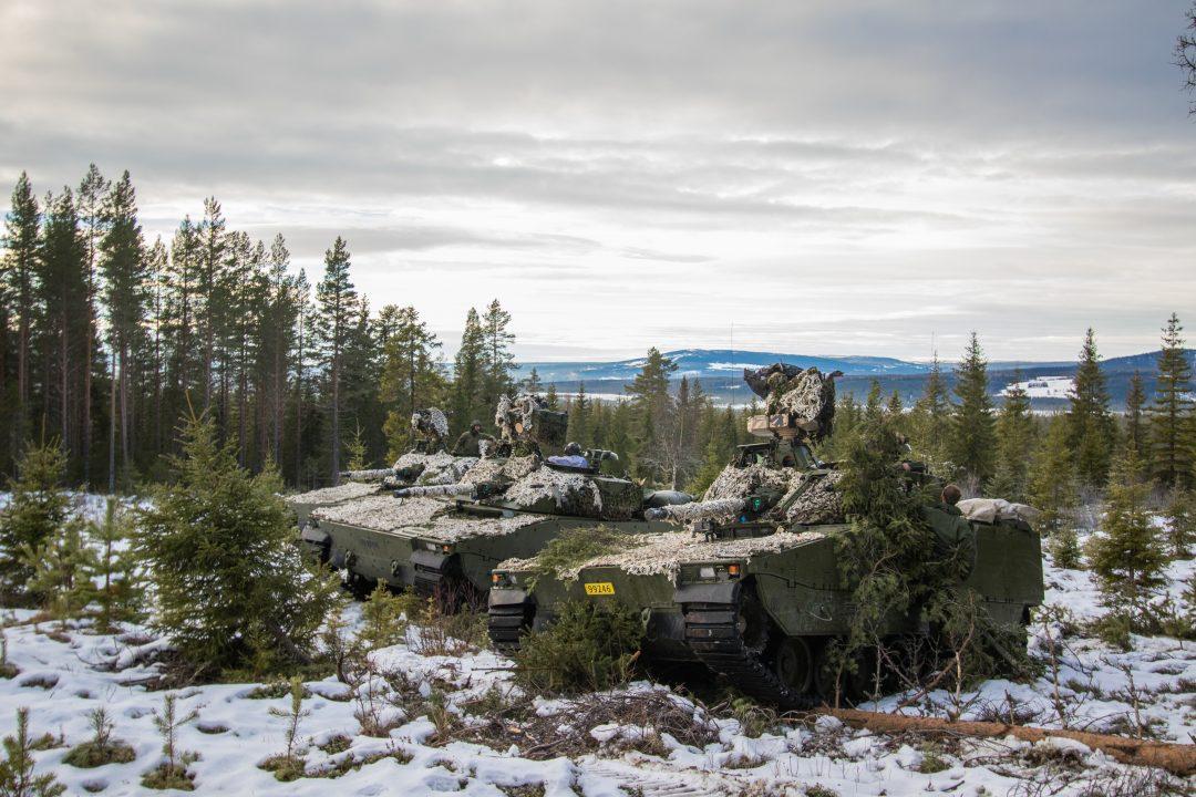 Tre stridsvogner fra TMBN under øvelsen Ymer Viking. // Three tanks from TMBN during the exercise Ymer Viking