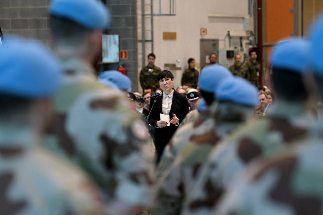 Gir forsvarsministeren tidsfrist