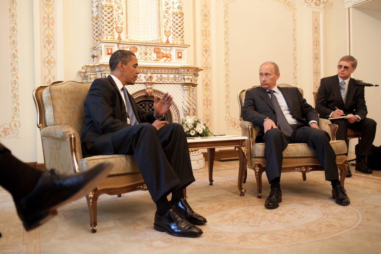 https://www.aldrimer.no/wp-content/uploads/2016/12/Barack_Obama__Vladimir_Putin_at_Putins_dacha_2009-07-07-1280x853.jpg