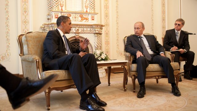 https://www.aldrimer.no/wp-content/uploads/2016/12/Barack_Obama__Vladimir_Putin_at_Putins_dacha_2009-07-07-640x360.jpg