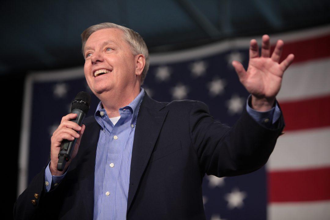 PÅ HØY TID: Senator Lindsey Graham uttalte sammen med senator John McCain at straffetiltakene mot Russland kom i seneste laget. Foto: GAGE SKIDMORE