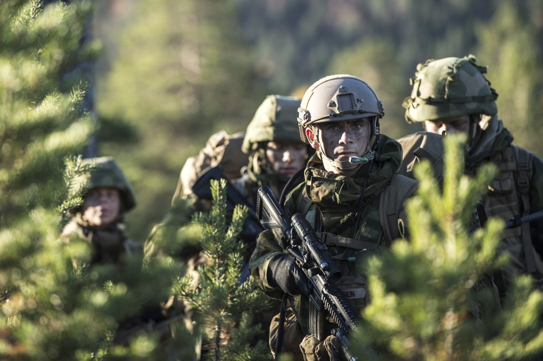 HMKG under øvelse Gram/YMER 3. En stridsgruppe bestående av 2. Gardekompani og elementer fra 5. Gardekompani opererte i området Hengsvann. // soldiers from His Majety the Kings Guard during a field exercise at Hengsvann.