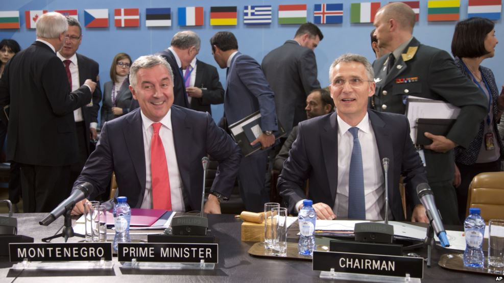 NATO Secretary General Jens Stoltenberg and Prime Minister of Montenegro Milo Đukanović signed the membership protocol at a ministerial meeting in NATO on 19 May 2016. Photo: NATO