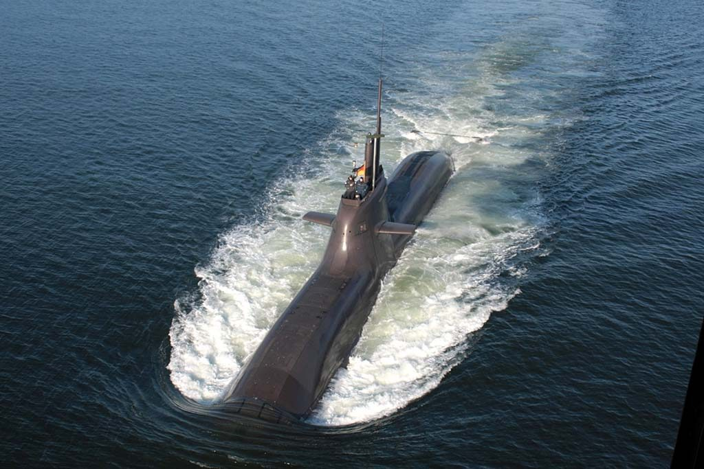 TYSKEREN: Norge kan få en ubåt av typen HDW 212A, her representert ved ubåten U-32 til sjøs. Foto: WIKIPEDIA COMMONS
