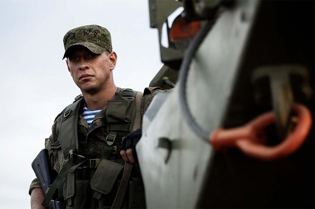 RUSSISK SOLDAT: En russisk soldat fra en motorisert infanteribrigade deltar i øvelse «Kavkaz 2016» i september i fjor. Foto: MIL.RU (DET RUSSISKE FORSVARSMINISTERIET)