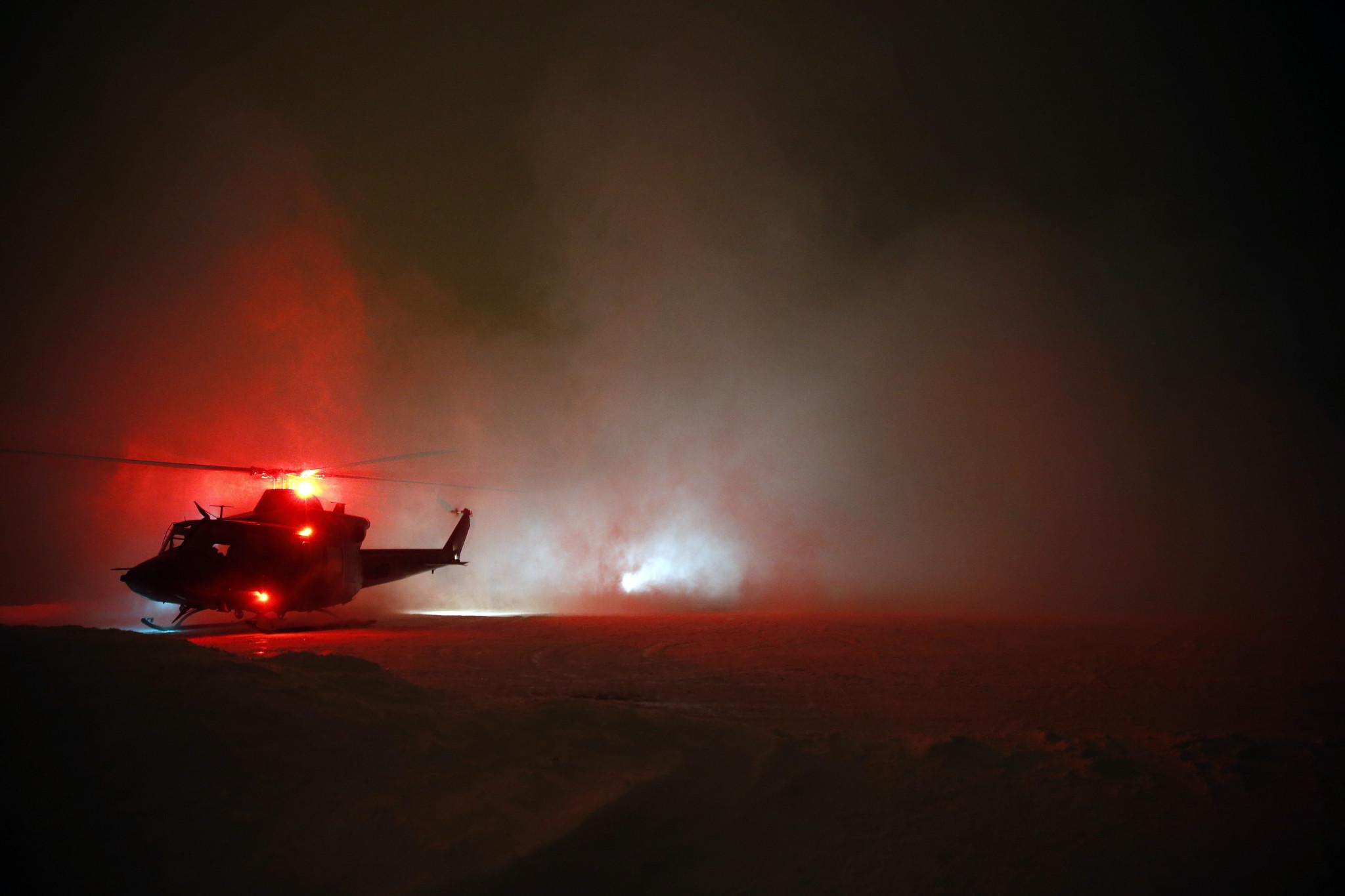 Tre Bell 412 SP helikopter fra 720 skavdronen under trening på Rena. Foto: TORBJØRN KJOSVOLD/FORSVARET