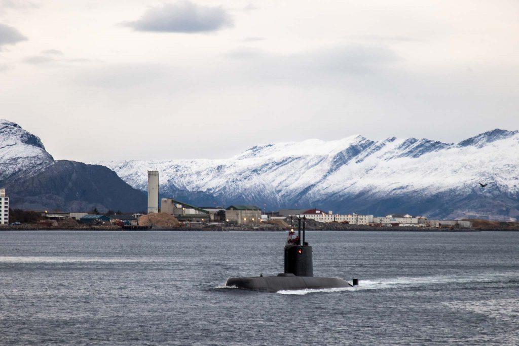 ULA-KLASSEN: En Ula-klasse ubåt seiler forbi Bodø havn. Foto: NORA PAULSEN SKJERDINGSTAD/FORSVARETS MEDIESENTER