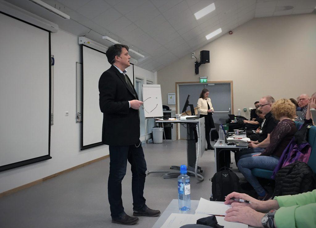 5dff99db ADVARER: Førsteamanuensis Geir Flikke ved Universitetet i Oslo bruker  historiske, store russiske øvelser til å advare mot den store Russlands  øvelse Zapad, ...