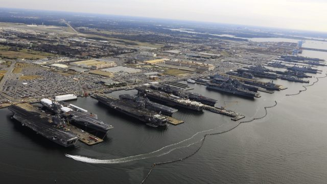 https://www.aldrimer.no/wp-content/uploads/2017/04/9_Flattops_at_Norfolk_naval_base_December_20_2012-640x360.jpg