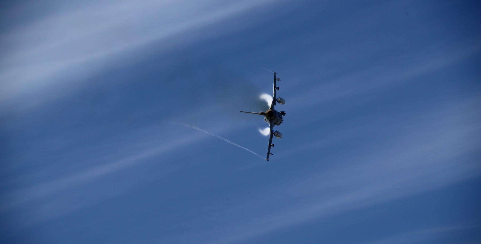 Norske F-16 fulgte russiske bombefly