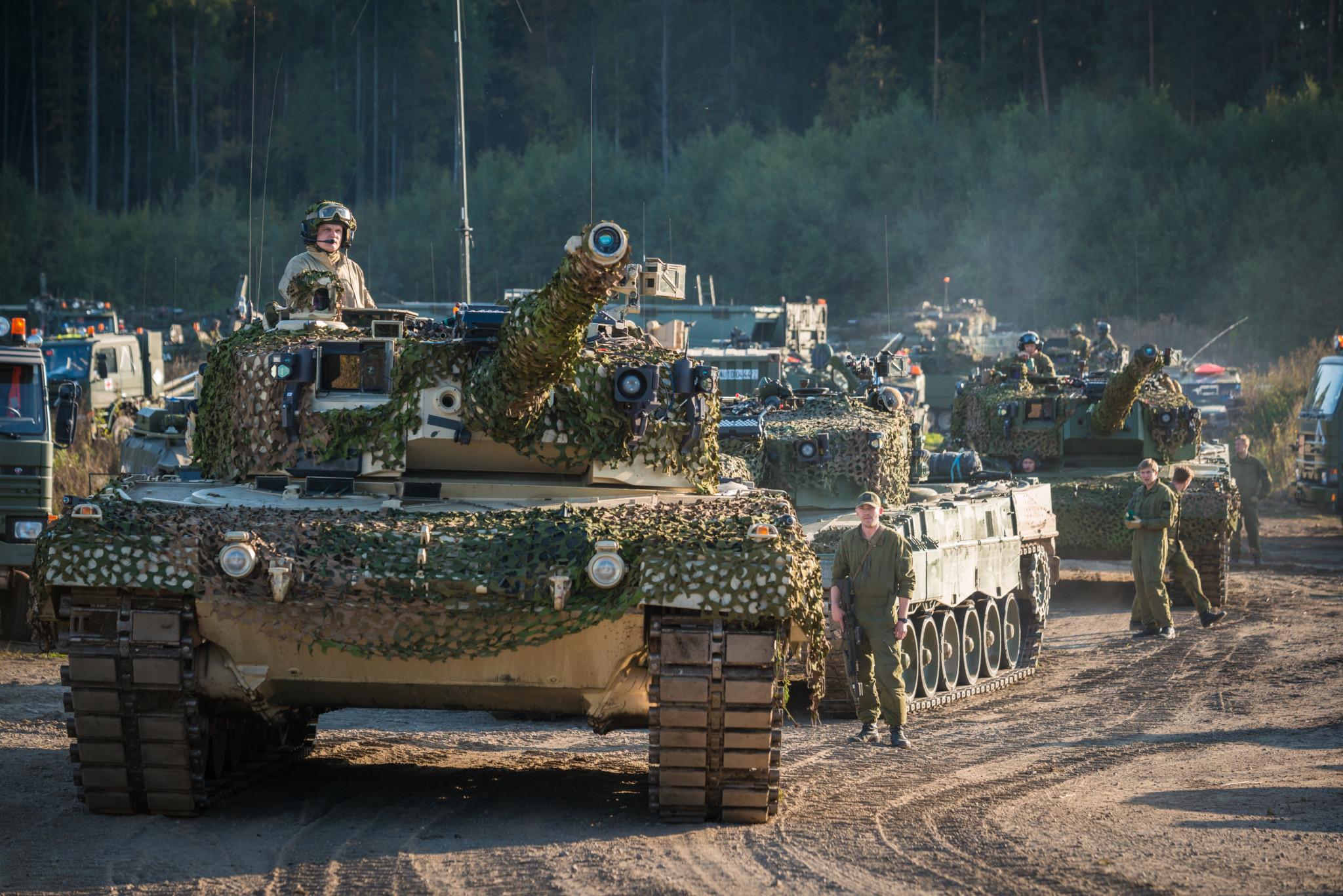 Vil kjøpe nye stridsvogner