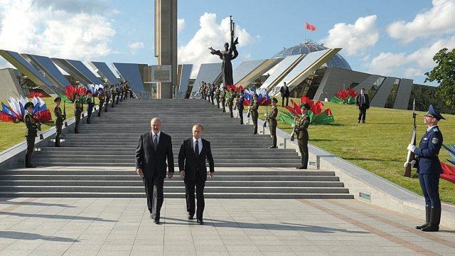 https://www.aldrimer.no/wp-content/uploads/2017/08/lukasjenko-putin-2014-m-soldater-640x360.jpeg