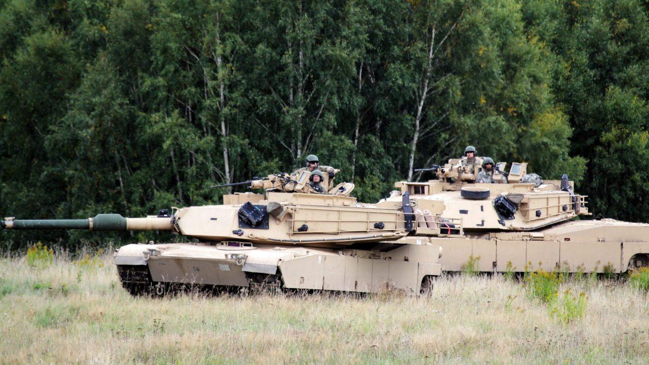 https://www.aldrimer.no/wp-content/uploads/2017/09/Amerikanska-M1A1-Abrams-stridsvagnar-från-1st-Combined-Arms-Battalion-194th-Armor-Minnesota-National-Guard-Foto-Joakim-ElovssonFörsvarsmakte-1280x720.jpg