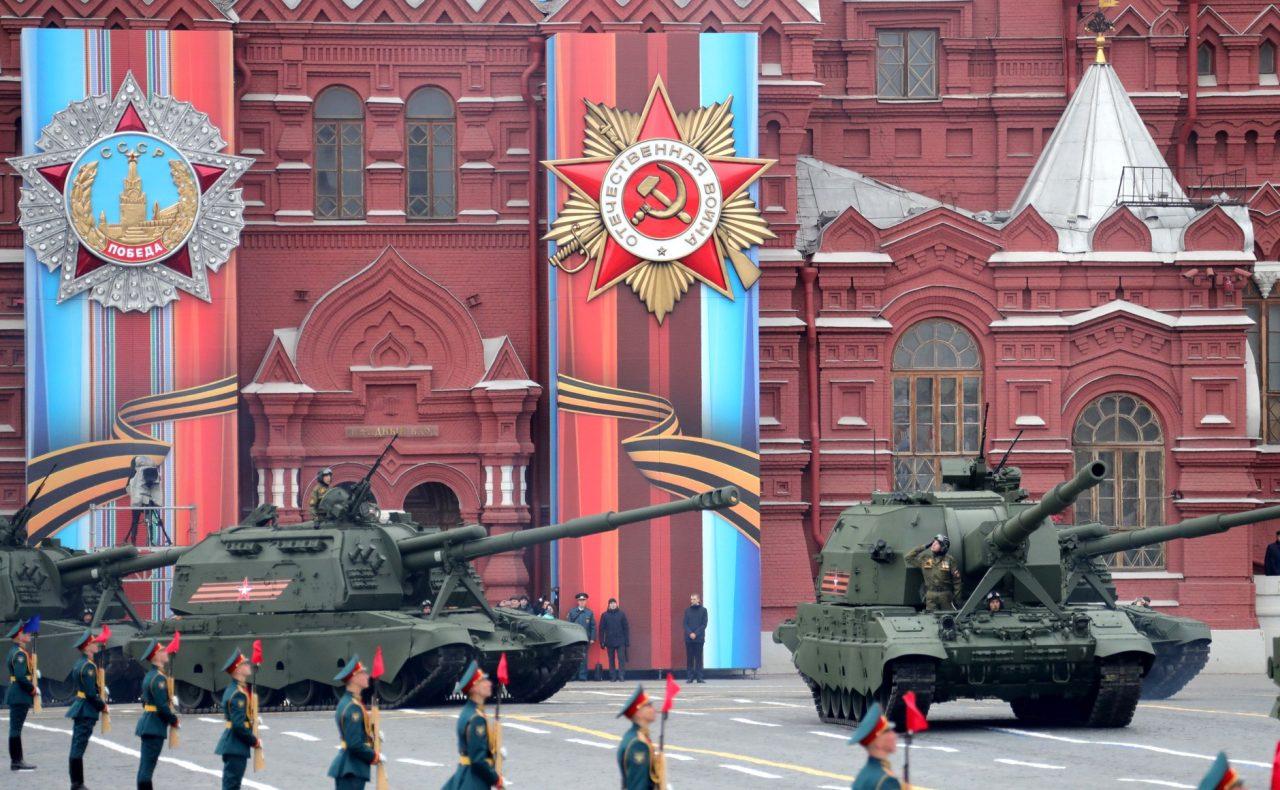 https://www.aldrimer.no/wp-content/uploads/2017/09/stridsvogner-på-røde-plass-militærparade-9.-mai-2017-KREMLIN.RU_-1280x790.jpg