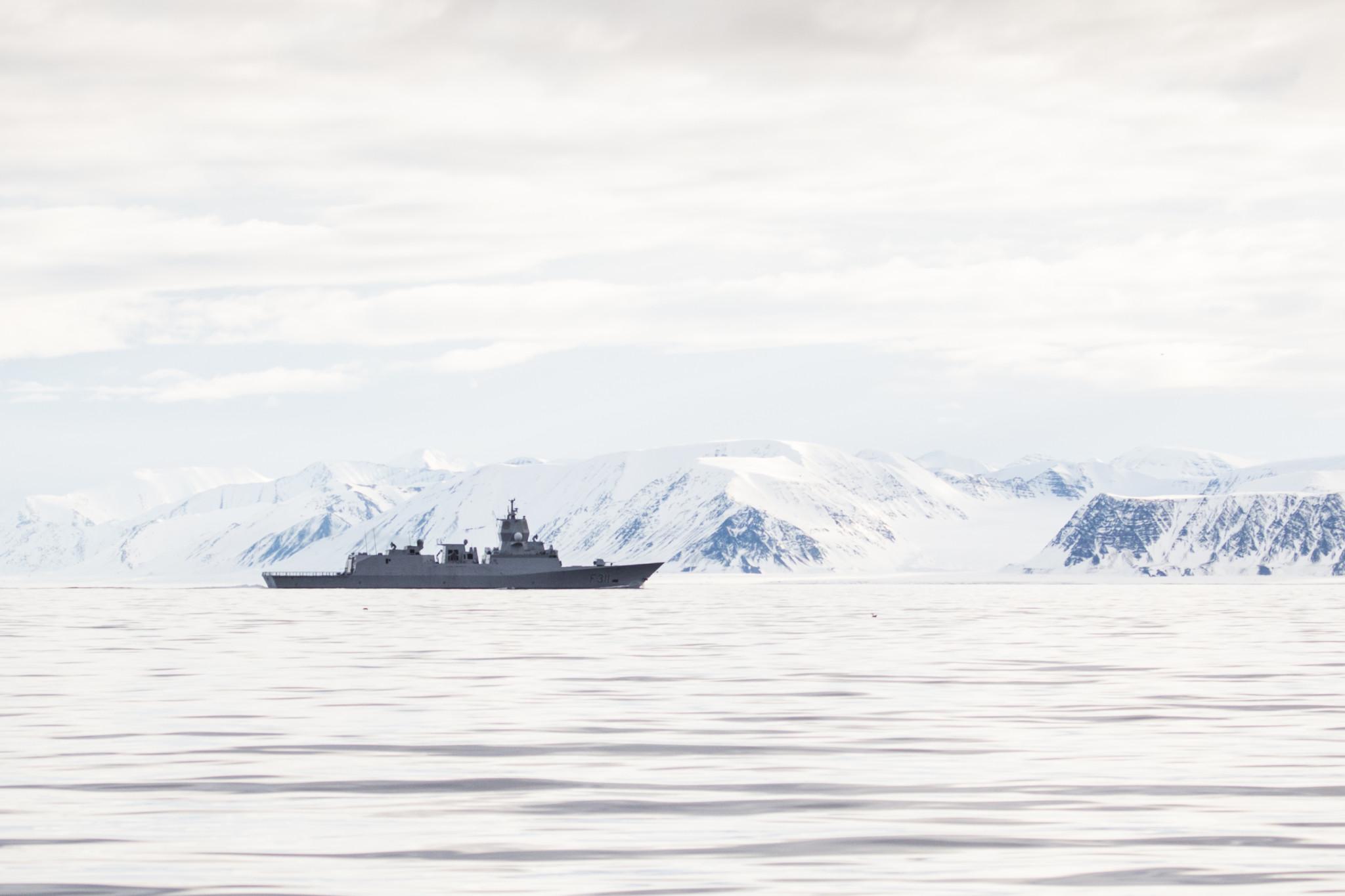 Vil tilby bredbånd i arktis – regjeringen vil bidra