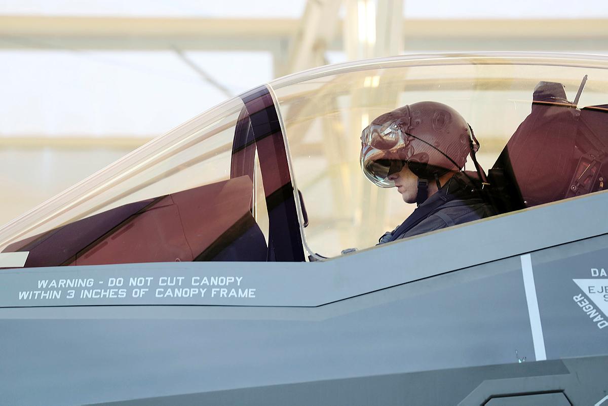Pilotmangel til F-35