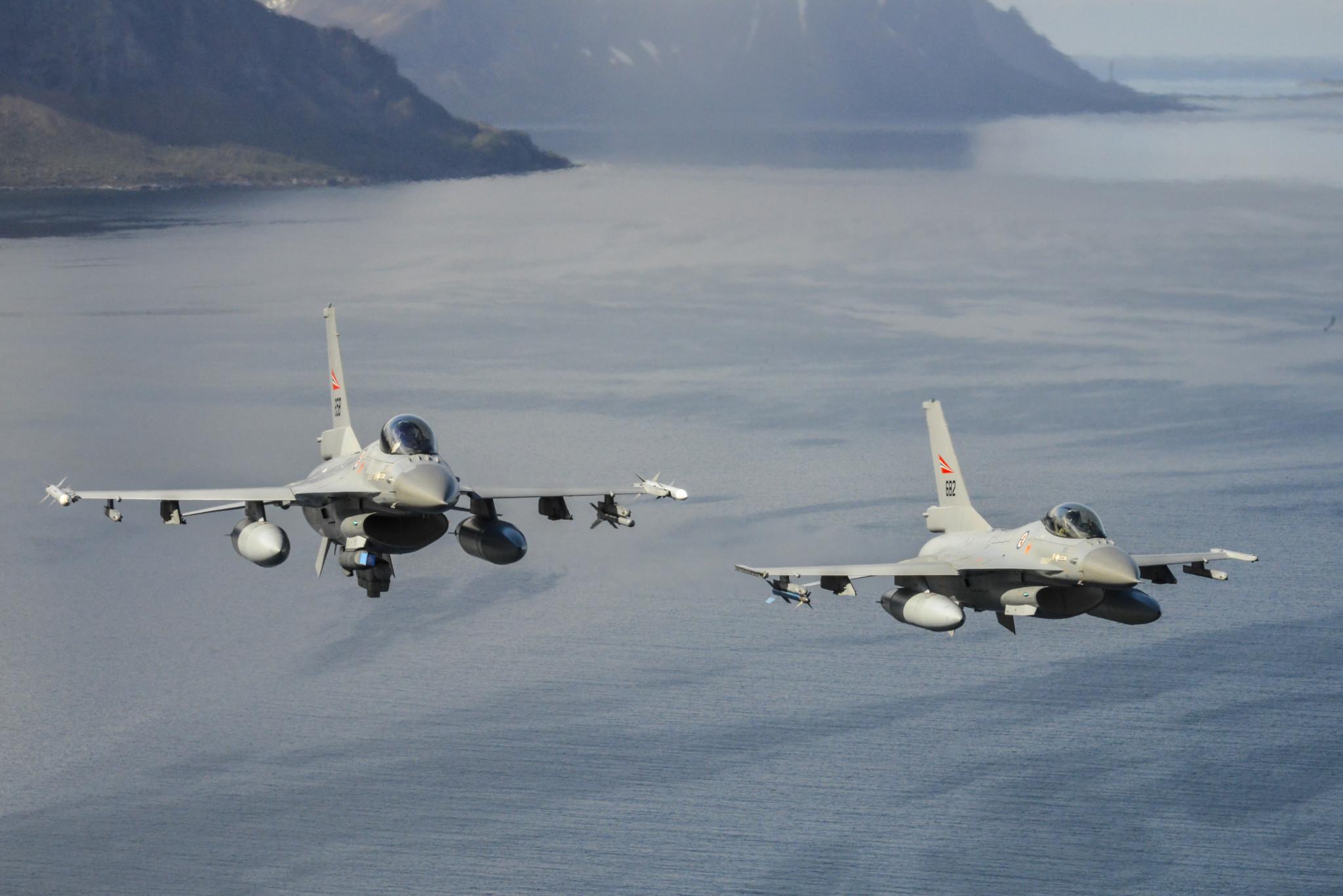 Vil ikke si om russiske fly har simulert angrep