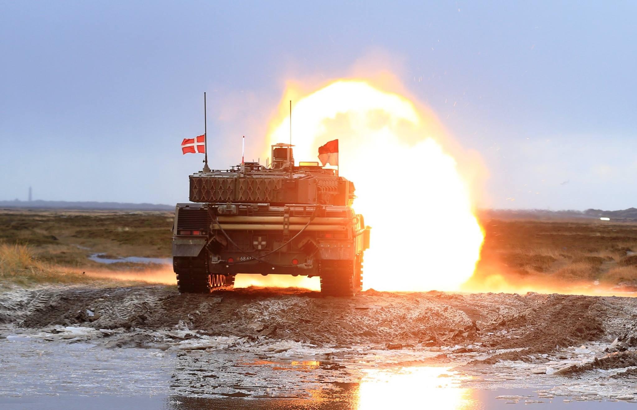 Her trener danskene med nye stridsvogner