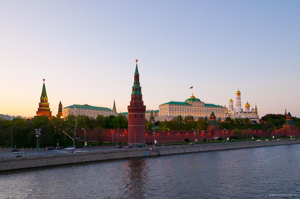 https://www.aldrimer.no/wp-content/uploads/2017/12/Kremlin_from_Bolshoy_kamenny_bridge.jpg