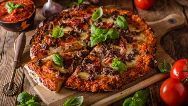 https://www.aldrimer.no/wp-content/uploads/2018/01/pizza_meat-1-640x360.jpg