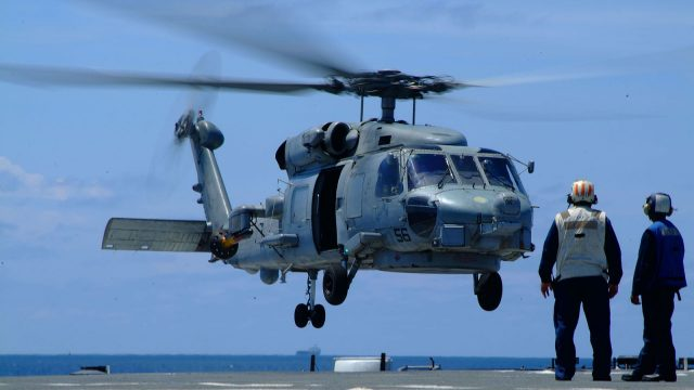 https://www.aldrimer.no/wp-content/uploads/2018/02/US_Navy_050801-N-4772B-088_An_SH_60B_Seahawk_helicopter_assigned_to_Helicopter_Anti-submarine_Squadron_Light_Four_Five_HSL-45_detachment_one_lands_onto_the_flight_deck_of_the_amphibious_dock_landing-640x360.jpg