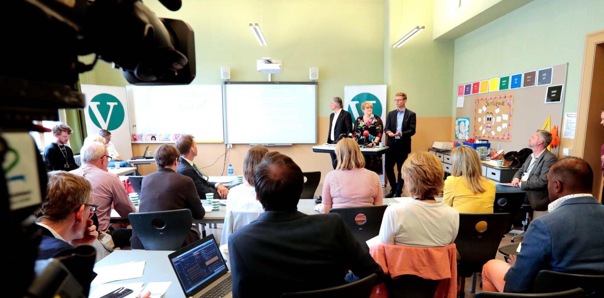 Avviser at Venstre droppet 2024-fristen