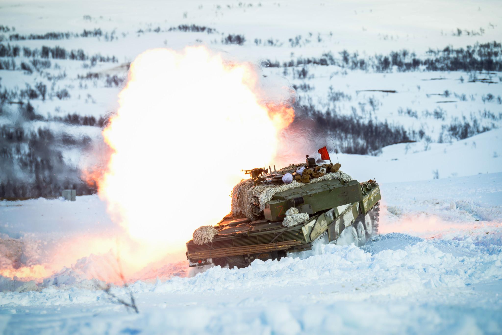Forsvarsbudsjettet kan øke til 80 milliarder