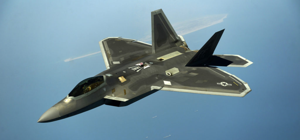 F-22 Raptor i lufta. Foto: US AIR FORCE / VERNON YOUNG JR