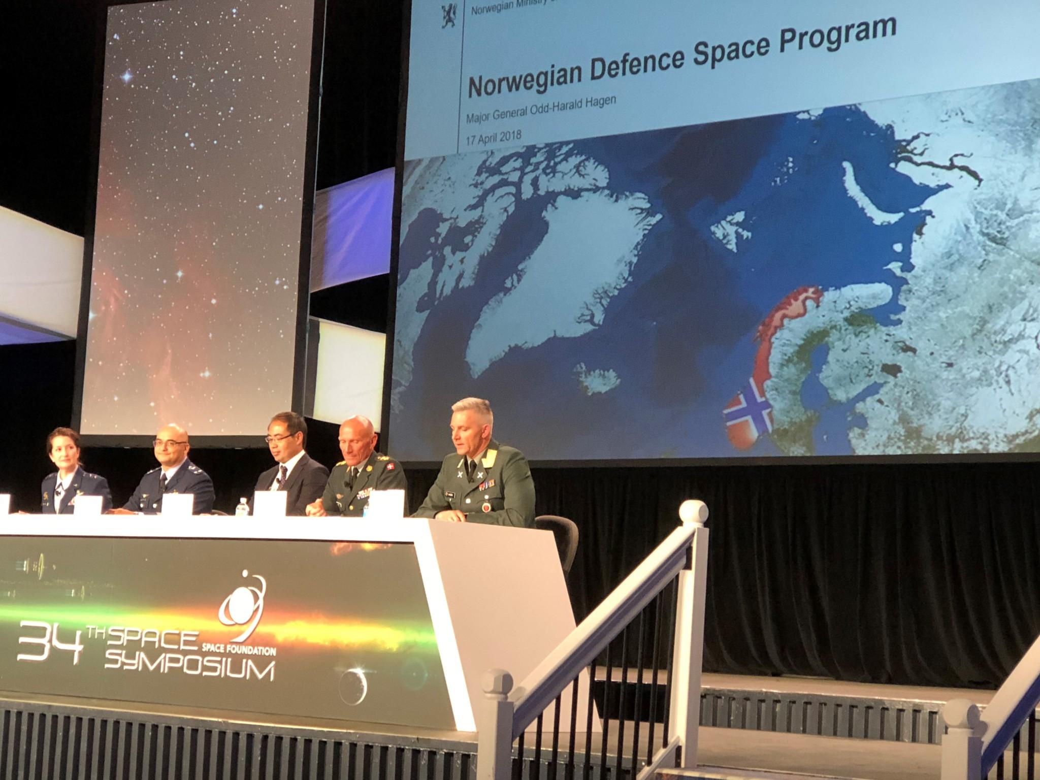 Trapper opp satelittsamarbeid med USA