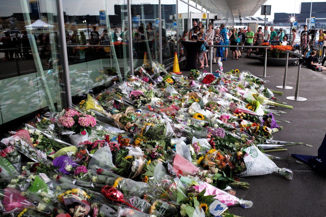 https://www.aldrimer.no/wp-content/uploads/2018/05/Amsterdam_Airport-_Flight_MH17_Memorial_14675744526-1280x853.jpg