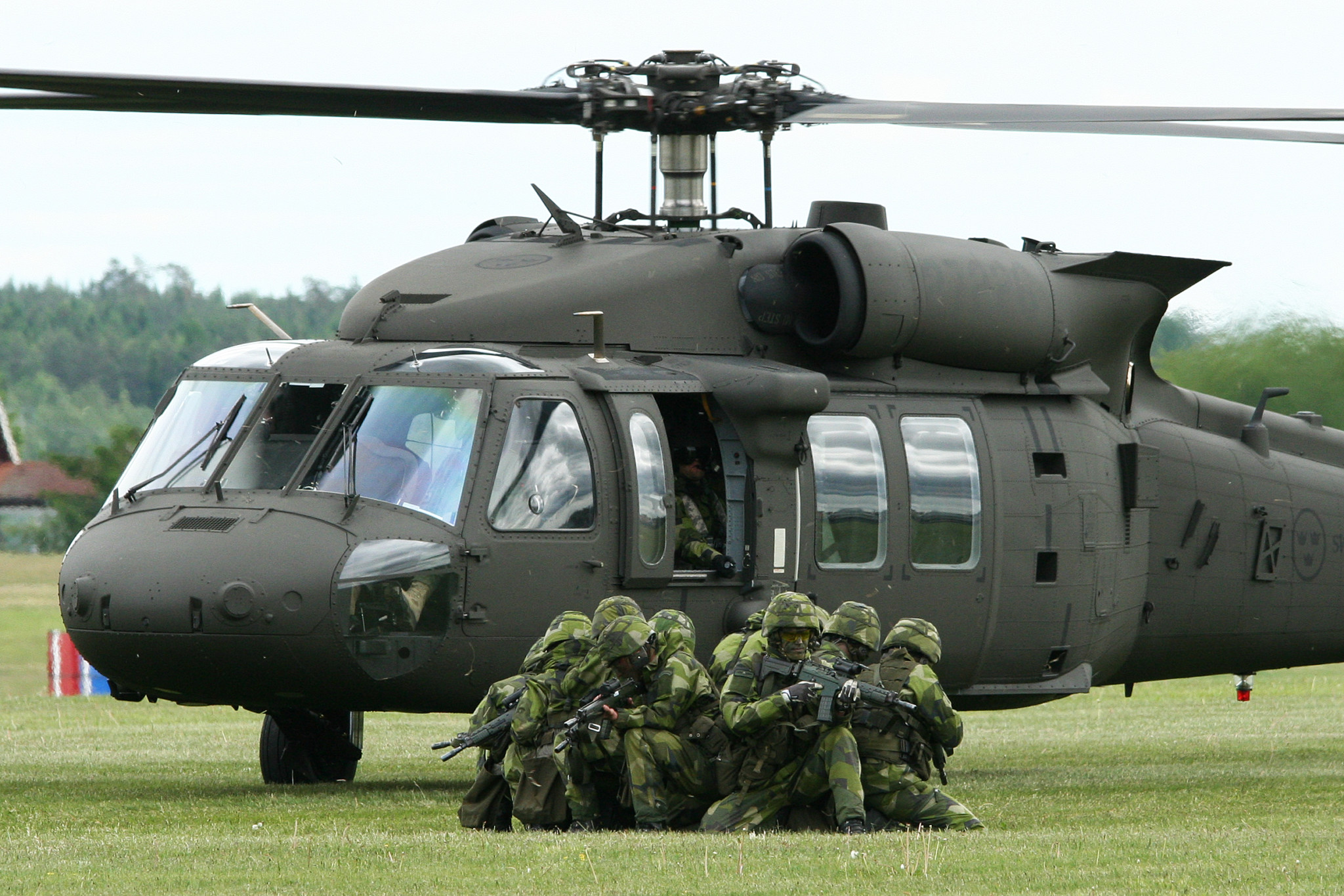 Åpner for innkjøp av Black Hawk-helikoptre