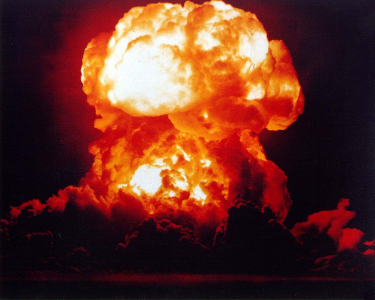 https://www.aldrimer.no/wp-content/uploads/2018/05/eksplosjon-atomvåpen-1280x1024.jpg