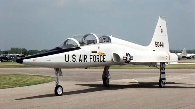 https://www.aldrimer.no/wp-content/uploads/2018/09/1600px-Northrop_T-38A_Talon_USAF-640x360.jpg